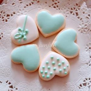ハート型のアイシングクッキー