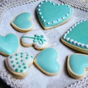 ティファニーブルーのハートのアイシングクッキー