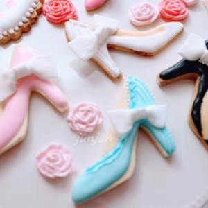 シュガーペーストでデコレーションすると簡単に可愛くなるアイシングクッキー