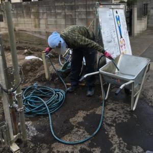 建築業界のモラル①鍵付の柵を外して、敷地内に侵入して、水道水を使って掃除する
