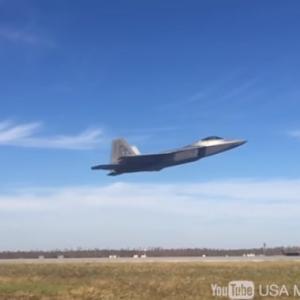 【空の支配者F-22ラプター】最強ステルス戦闘機の圧倒的な能力&驚異の高機動フライト