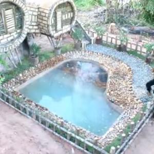 こいつらすげぇー!! 重機を使わずに竹と煉瓦で2つのプール付きの家を作ってしまった!