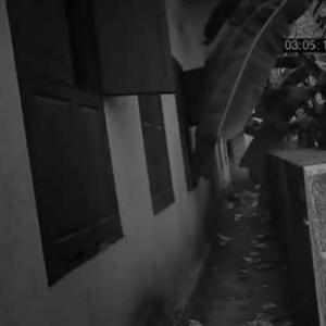 監視カメラに映った本物の 幽霊 映像