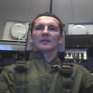 ヨーロッパの兵士が9Gの重力に必死で耐えてる凄い映像です。