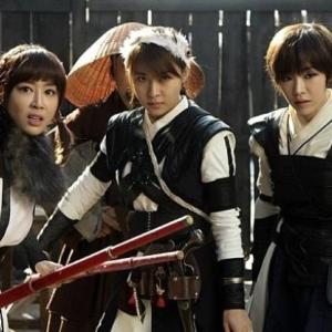 ジウォンさんの主演映画『朝鮮美女三銃士』の記事のご紹介です!!