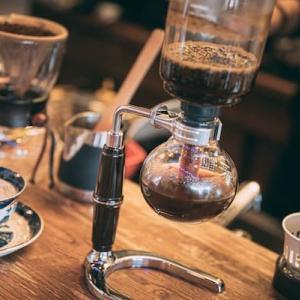 カフェで一杯のコーヒーを頂いて、飲食業の未来を考えた