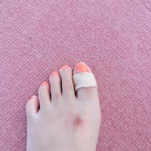 足の親指、クリームパン( TДT)痛いよ〜