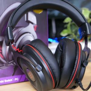 EKSA E900 Pro レビュー:3,000円台とは思えない高級感があり、付属品も豊富なゲーミングヘッドセット