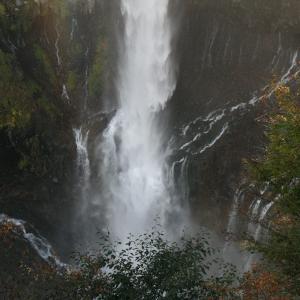 日光名物は華厳の滝