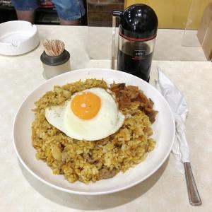 目玉焼きonドライカレーの素晴らしさ、喫茶 母恵夢(堺市東区)
