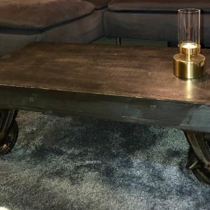 【一人暮らしDIY】狭い部屋でもOK! キャスターローテーブルを作ってみた!
