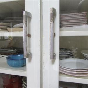 食器棚のガラス扉の掃除
