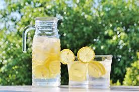 水は健康に大きな影響をもたらす 男性も女性にもおすすめする水について