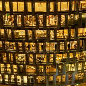 大阪梅田の夜景スポット「梅田阪急ビル スカイロビー」 写真やアクセス・駐車場などを紹介
