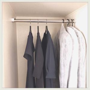 洋服を全て見渡せる収納。