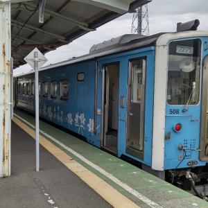 今朝の花咲線釧路行き始発列車は流氷物語ラッピング青!