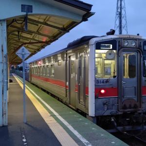 まだ朝晩は肌寒い花咲線始発列車