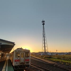 朝日が眩しい花咲線始発列車