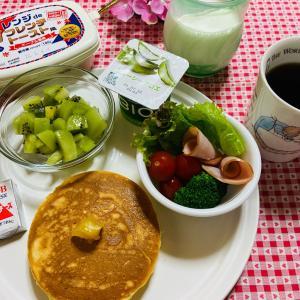 今日の朝食 パンケーキ
