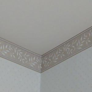壁と天井とソファと