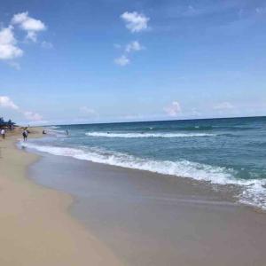ハバナからバスで30分のビーチ サンタマリアビーチへ行ってきた