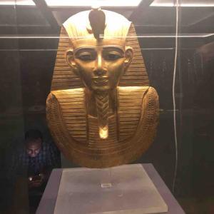 エジプトの日本人宿と考古学博物館を遊戯王目線で観光