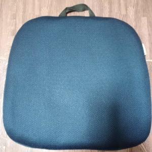 【レビュー】ラ・トルテュ ゲルクッションをAmazonで購入。ハニカム構造の座り心地は?