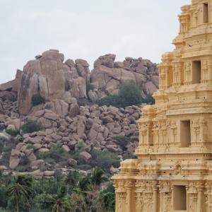 【インド】巨石群と遺跡の街-ハンピ観光1日目