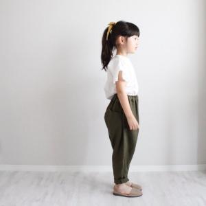 Frill sleeve blouse.袖口のフリルが可愛いシンプルなブラウス。パンツスタイルにも👌114cm...