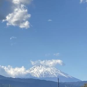 富士山と満月の夜
