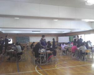 釧路市立愛国小学校においてプログラミング学習の出前授業と講演を行いました