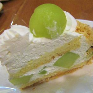 Cafe Jr 「ごろごろメロンパイ」(八戸市江陽 ラピア)  モコとココ