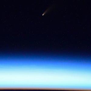 ネオワイズ彗星の地球最接近は7月23日! いつ? どの方向に見えるの?