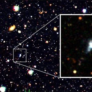 すばる望遠鏡と機械学習で見つけた、星が活発に生まれる形成初期の銀河。