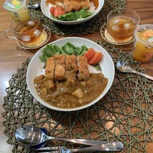 おじじの休校中給食 カツカレー & 鮭の西京焼き定食