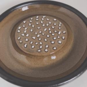 """シンプルな道具""""おろし器とすり鉢"""""""