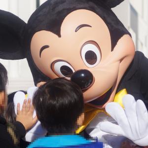 笑顔を再び【ミッキーにギュっ!】誰もが笑顔になるディズニーマジック