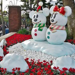 ディズニークリスマスだけ登場する「スノースノー」