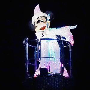 白いミッキーマウス!もう会えないファンタズミックのあのシーン・・