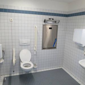 ショートコント?『多目的トイレ』