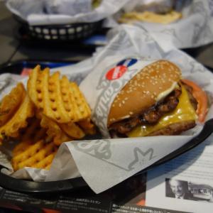 アメリカンなハンバーガー カールスジュニア