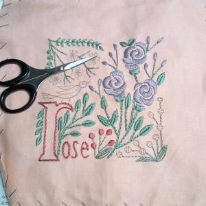 アルファベットと植物刺しゅうのクロスの会 9