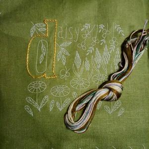 アルファベットと植物刺しゅうのクロスの会 11