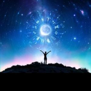 13日、月は牡羊座!運勢3つのポイント♡明日は満月♡