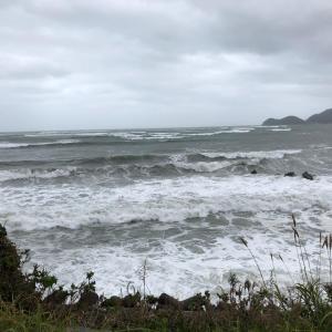 海が怒っている~!