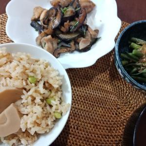 ジャカルタで手に入る物で作る。たけのこ枝豆ご飯。