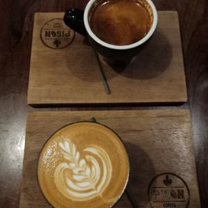 いつもどこでもラテになる。pison coffee Jakarta。
