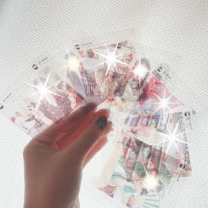 おしゃれな透明写真カード。