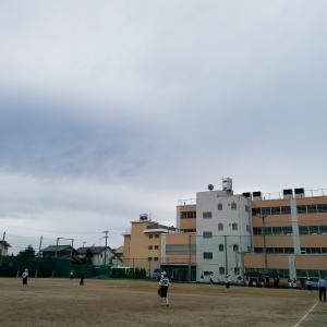 連休最終日は、雨模様でした。