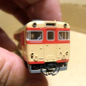 KATO キハ65のおでこを削る 2回目